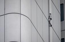 """Százméteres épületet mászott meg biztosítókötél nélkül a """"francia Pókember"""" - videó"""
