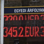 350 alá is benézett a forint
