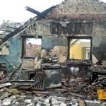 Adományból épült újjá a leégett családi ház Dunakeszin