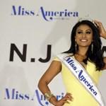 Csekély értelmű trollok támadják az új amerikai szépségkirálynőt