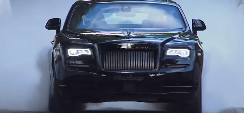 Így még nem sprintelt Rolls-Royce – videó