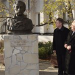 Puskin szobrot avattak a Károly Róbert Főiskolán
