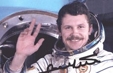 Negyven éve közvetítették a magyar gyerekeknek az esti mesét az űrből