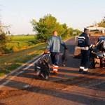 Frontális karambol a 44-esen: négy ember rögtön meghalt