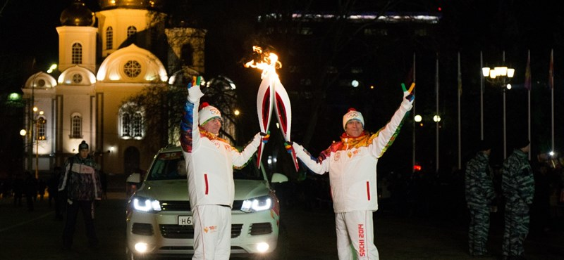 Megérkezett az olimpiai láng Szocsiba