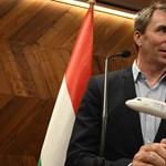 Új gépeket vesz a Wizz Air, több munkatársat is visszavesznek