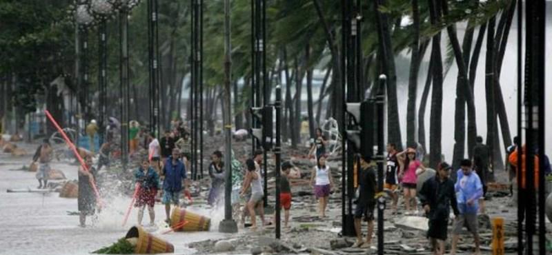 Csak romok maradtak a tájfun után Kínában, jön az újabb forgószél