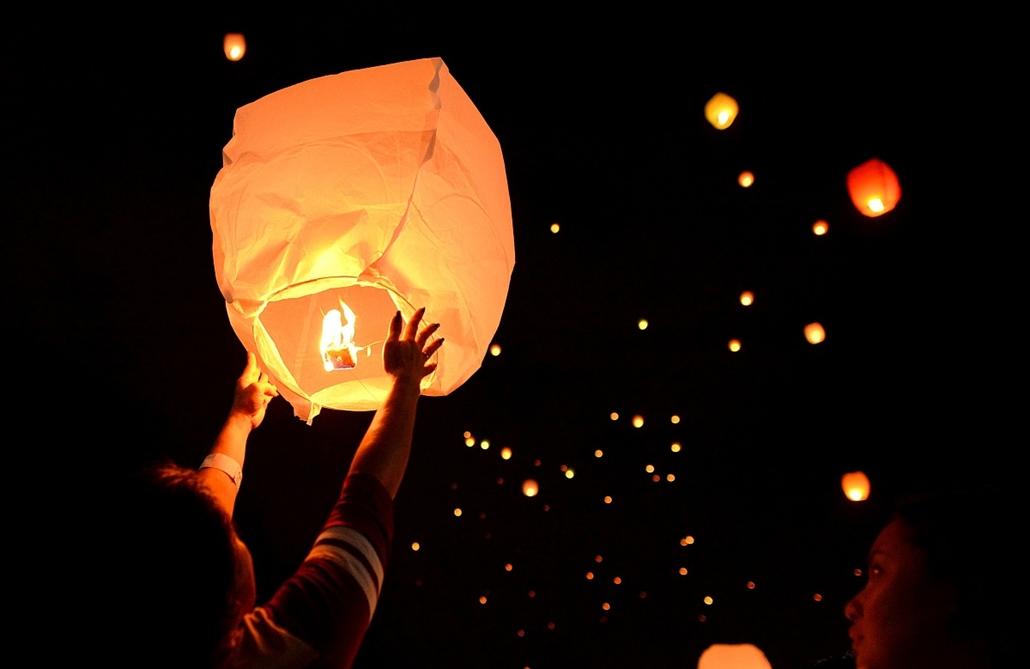 afp.16.03.07. - Manila, Fülöp-szigetek: Lampionok nőnap alkalmából - 7képei