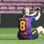 Iniesta még egyszer visszament, hogy ücsörögjön a Nou Camp gyepén