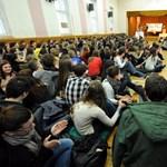 Országszerte sztrájkoltak a középiskolások - percről percre