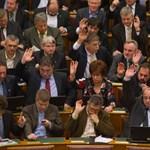 Fideszes képviselő mentelmi jogát is felfüggesztetné az ügyészség