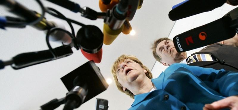 Hajszálon múlhat Merkel abszolút többsége