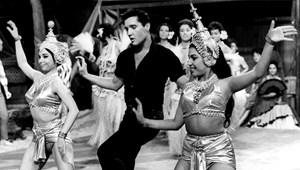 Elvis 85 – Mihez kezd a világ ennyi szexuális kisugárzással?