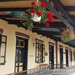 Huszonegy balatoni vasútállomás épületét újítják fel