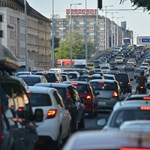 25 órát ülnek a dugóban évente egy magyarországi városban, és nem Budapest az