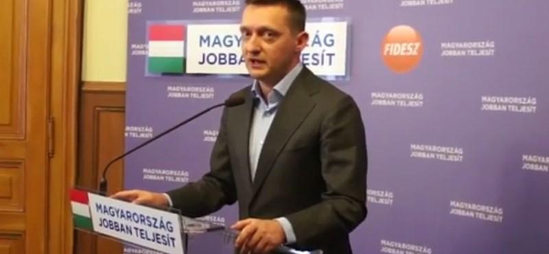 Rogán: nem kötelező többé Simicska médiájába menni a fideszeseknek