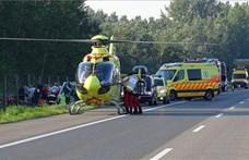 Halálos buszbaleset: egy kisgyerek is súlyosan megsérült
