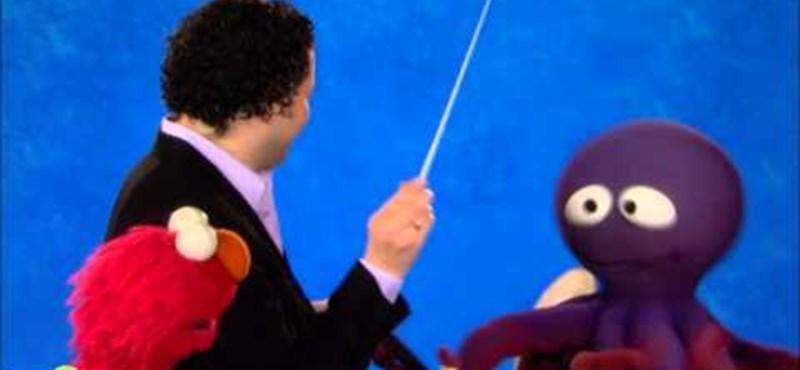 Videó: Elmo világhírű karmesterrel vezényelt együtt