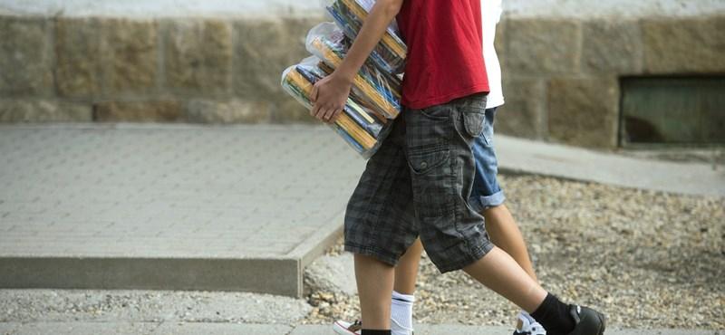 Augusztus 30-ig megérkeznek a tankönyvek az iskolákba