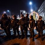 A tüntetésről hazafelé gyulladt ki a Vas megyei rendőrök teherautója