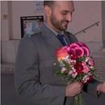 Összeházasodott két férfi a Deák téren, megtapsolták őket - videó