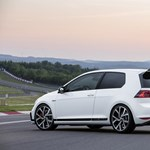 Baj van a Volkswagennél, leállították a Golf gyártását