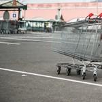 Támogatja a vasárnapi boltzárat a nő, akinek a boltja vasárnap nyitva lehet