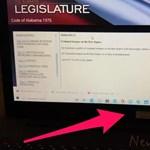 Nem volt okos az amerikai képviselő, aki a jelszavával együtt rakott ki egy fotót a netre