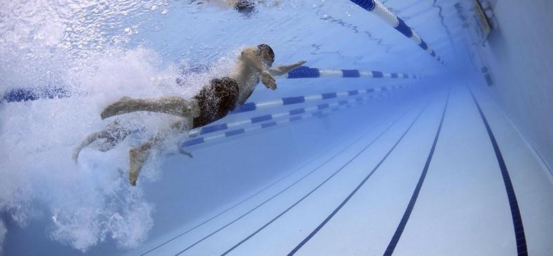 """""""Hülyének, bénának nevezte egy tanár azokat a diákokat, akik nem teljesítettek jól az úszás órán"""""""