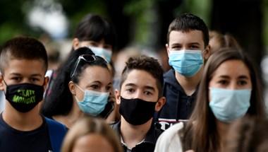 A szomszédban sem akar csitulni a járvány