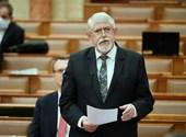 Tamás Ervin: Miniszter, alsógatyára vetkőzve, a szuterénbe száműzve