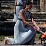 Futva körbeviszik az olimpiai lángot, de az ünnepségeket lefújták a vírus miatt