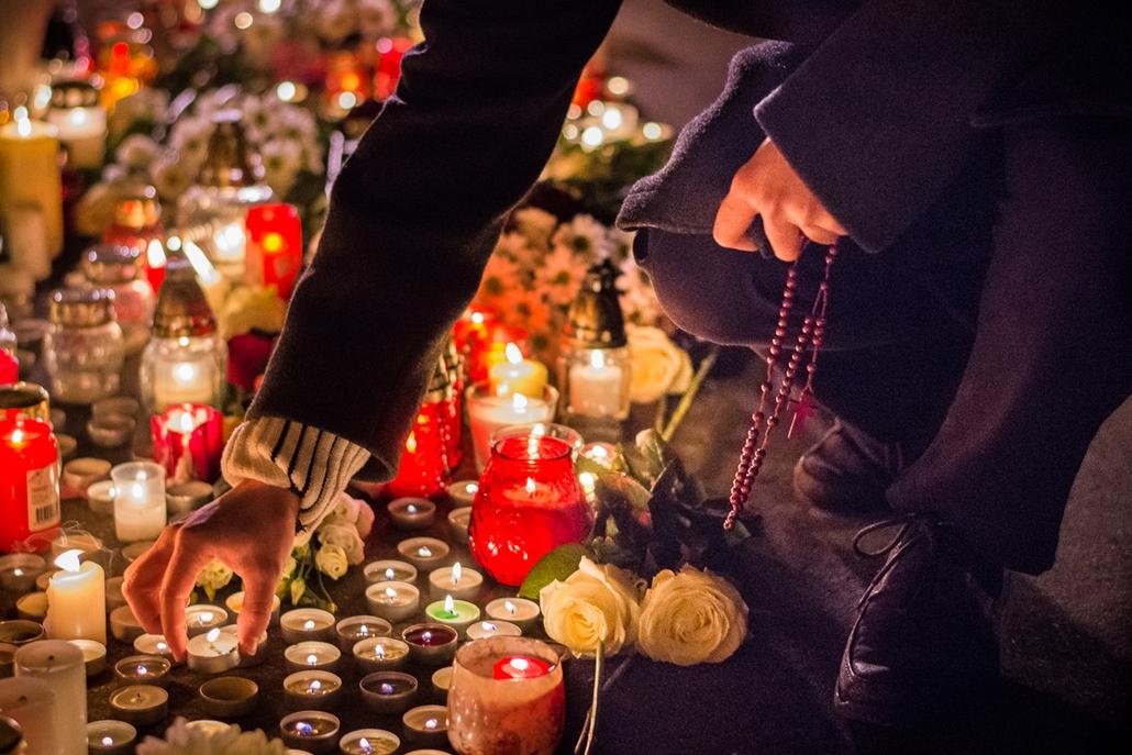 ae. 17.01.21. Veronai buszbaleset, Szinyei Merse Pál Gimnázium, Veronai buszbaleset, buszbaleset, Szinyei, Szinyei Merse Pál Gimnázium, megemlékezés, gyász,