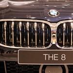 Körbefotóztuk a virtuális kulcsos vadonatúj 8-as BMW-t