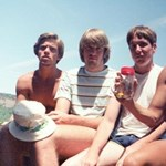 Ez az öt barát 35 éve elkészíti magáról ugyanazt a fotót
