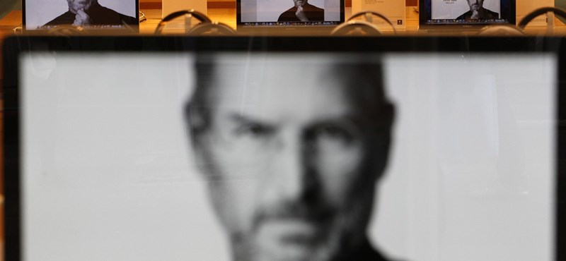 Steve Jobs-nap szerveződik a Facebookon