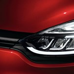 Csúcstechnika mindenkinek: villanymotor és önvezetés is lesz az új Renault Clióban