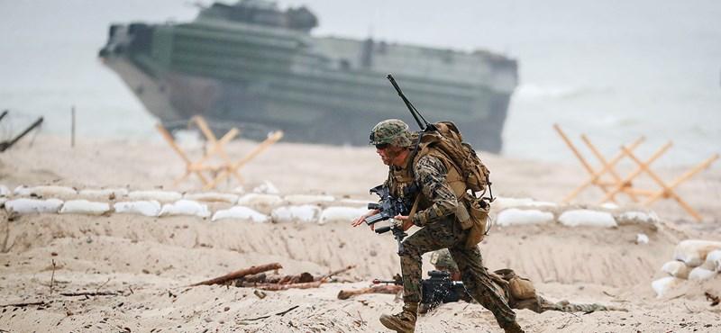 Stresszes a katonaság? A szexmunkások segíthetnének