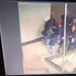 Diákok alatt szakadt le egy galéria a jakartai tőzsde épületében – durva videó