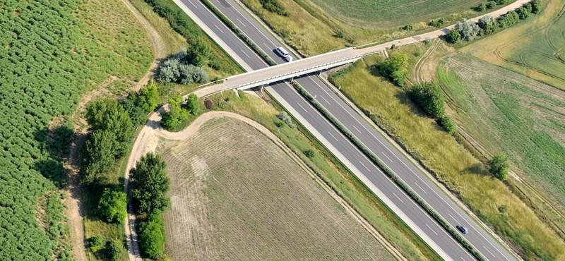 Újabb dugók jöhetnek a héten az M1-es autópályán, indulás előtt jobb tájékozódni