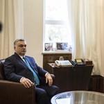 Így (nem) tájékoztat a közmédia: Orbán faültetése jöhet, a tüntetés már nem
