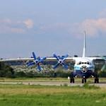 Különleges repülőgép landolt Ferihegyen - fotók