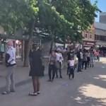 Százméteres sorban várták Londonban a vásárlók a Primark nyitását