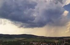 Sál, sapka nem, de esernyő jól jöhet ma