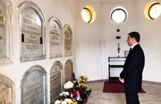 TGM: Virág a kormányzó úr sírján