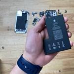 Szétszedték az eddigi legjobb iPhone-t –íme az akkuja