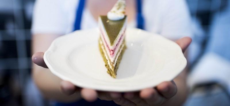 Megnyerte a pert a cukrász, aki nem volt hajlandó egy meleg pár esküvőjére tortát készíteni