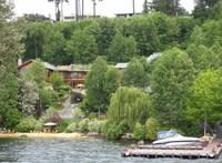 24 fürdőszoba, 6 konyha, egy Leonardo-kézirat és egy folyó is van a házban, amelyen Bill és Melinda Gatesnek osztozkodnia kell