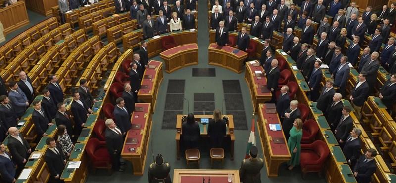 Parlamenti fizetések: A Fidesz így állított csapdát az ellenzéknek