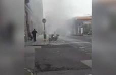 Videón, ahogy a benzinkúttól pár lépésre égett ki egy BKV-busz